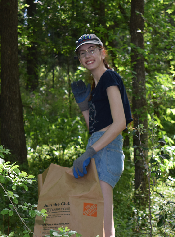 "<b>Univ. of Texas:</b><br><br>   <div style='font-size:15px;'>""commUNITY means supporting local nature and art venues that help bring together the city that we love.""  <br><br>  UT-Austin Stamps Scholars volunteered at the Umlauf Sculpture Garden for their Day of Service. The scholars cleared poison ivy, dug out invasive plants from the creek bed, weeded, and maintained the pathway for visitors. </div>"